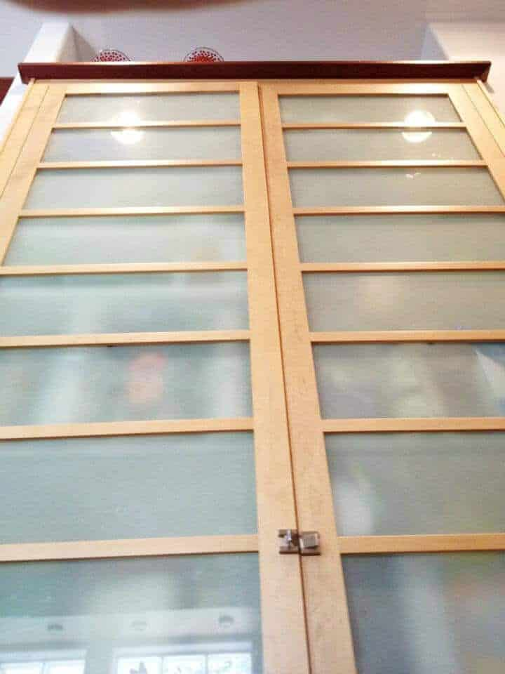 custom-food-pantry-frosted-glass-front