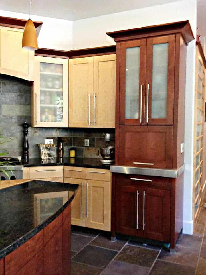 custom-kitchen-cabinets-granite-counter-tops